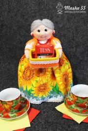 Бабулечка грелка на чайник и хранительница чая
